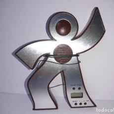Radios antiguas: RADIO TRANSISTOR MUÑECO. Lote 254672625