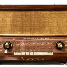 Radios antiguas: ANTIGUA RADIO DE VALVULA DE LA MARCA NOVAK, FUNCIONANDO PERFECTAMENTE. Lote 255577045