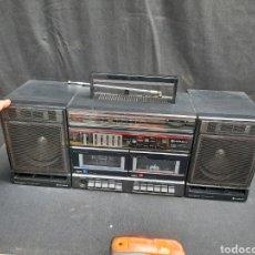 Radios antiguas: RADIO CASSETE HITACHI. Lote 257347915