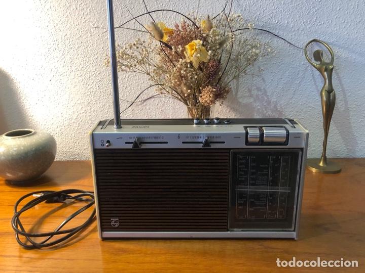 Radios antiguas: Radio philiphs vintage años 70 - Foto 3 - 257815705