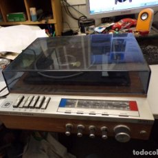 Radios antiguas: RADIO TOCADISCOS GENERAL ELECTRICA ESPAÑOLA, A REPASAR FUNCIONA PLATO. Lote 260804790