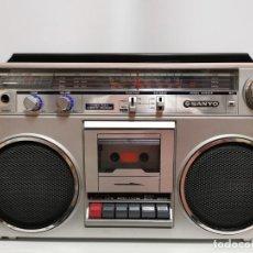 Radios antiguas: RADIO CASSETTE SANYO M9820K AÑOS 80. Lote 261679895