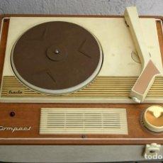 Radios antiguas: TOCADISCOS MALETA EXACTA FUNCIONA. Lote 262176485