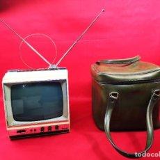 """Radios antiguas: PEQUEÑO TELEVISOR VINTAGE INTER 35 TRANSISTORES DE 9"""" AÑOS 60. Lote 262362135"""