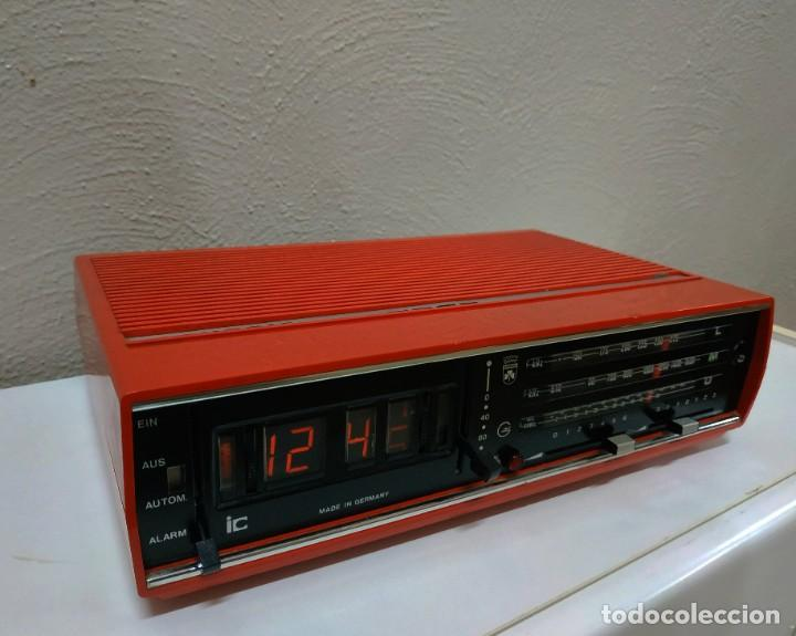 RADIO DESPERTADOR GRUNDIG AÑOS 70 APARATO ALEMÁN (Radios, Gramófonos, Grabadoras y Otros - Transistores, Pick-ups y Otros)