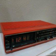Radios antiguas: RADIO DESPERTADOR GRUNDIG AÑOS 70 APARATO ALEMÁN. Lote 262910680