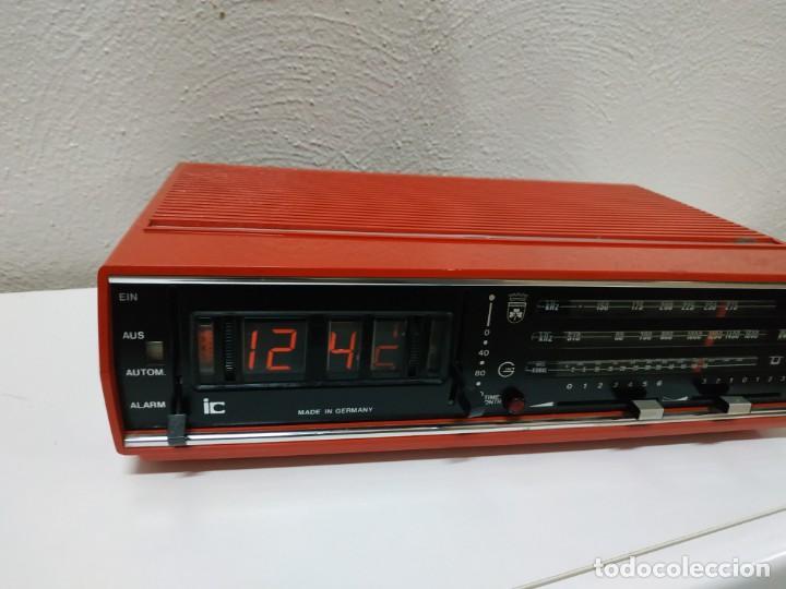 Radios antiguas: RADIO DESPERTADOR GRUNDIG AÑOS 70 aparato Alemán - Foto 7 - 262910680