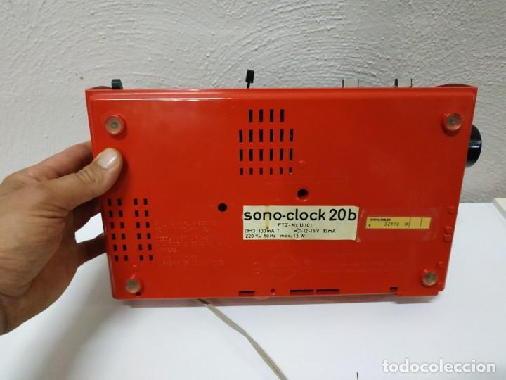 Radios antiguas: RADIO DESPERTADOR GRUNDIG AÑOS 70 aparato Alemán - Foto 9 - 262910680