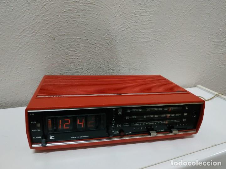 Radios antiguas: RADIO DESPERTADOR GRUNDIG AÑOS 70 aparato Alemán - Foto 11 - 262910680