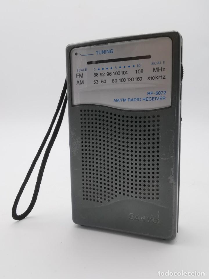 ANTIGUA RADIO TRANSISTOR SANYO, MODEL NÚMERO 5072. (Radios, Gramófonos, Grabadoras y Otros - Transistores, Pick-ups y Otros)