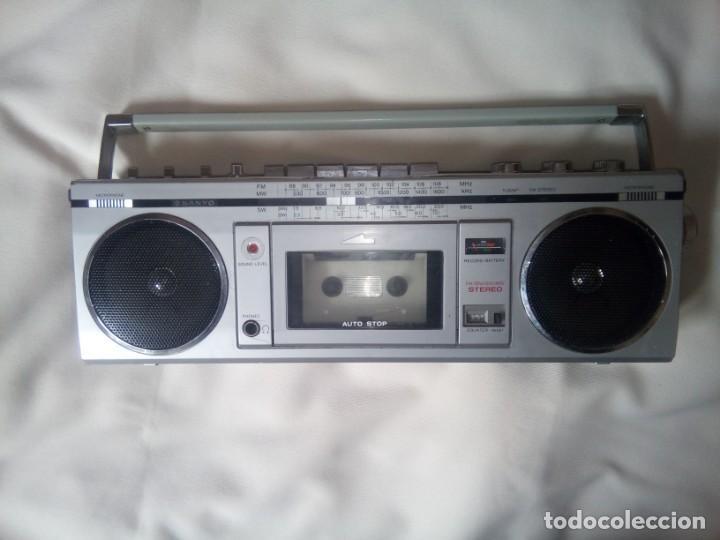 SANYO MODELO M 7700K; RADIO-CASSETTE FUNCIONANDO (VER VIDEO!!) (Radios, Gramófonos, Grabadoras y Otros - Transistores, Pick-ups y Otros)