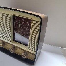 Radios antiguas: RADIO FERGUSON A VÁLVULAS. Lote 263577575