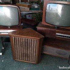 Radios antiguas: TELEVISOR YONDER Y TV TOCADISCOS MAS ALTAVOZ PHILIPS VACIO. Lote 268916709