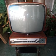 Radios antiguas: TELEVISOR CON RADIO YONDER. Lote 268917964