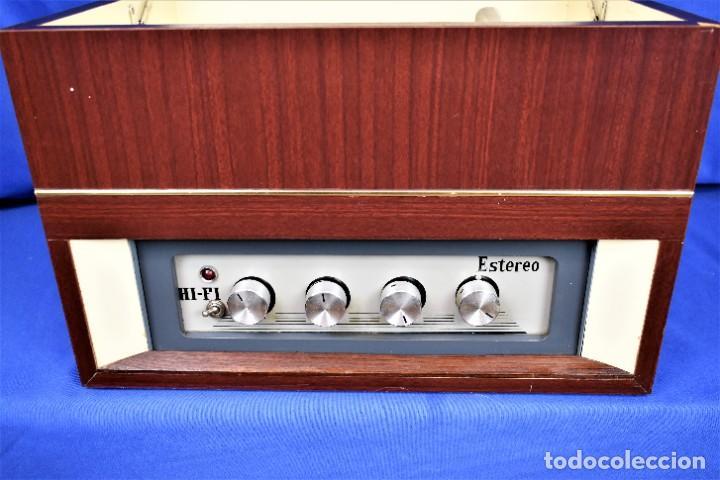 Radios antiguas: Mueble amplificador con tocadiscos hecho artesanalmente años 60 - Foto 3 - 269032125