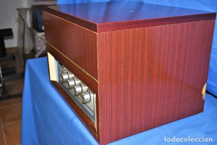 Radios antiguas: Mueble amplificador con tocadiscos hecho artesanalmente años 60 - Foto 11 - 269032125