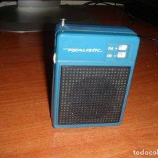 Radios antiguas: RADIO TRANSISTOR REALISTIC MODELO 12-721 FUNCIONANDO. Lote 269128698