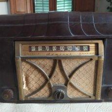 Radio antiche: RADIO - PICK-UP ADMIRAL 6V12-N DE BAQUELITA 40CM X 40CM X30CM. Lote 269377863