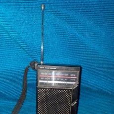 Radios antiguas: RADIO POCKET TRANSISTOR SANYO AM/FM RP 5065, 4,5 V. Lote 269974958