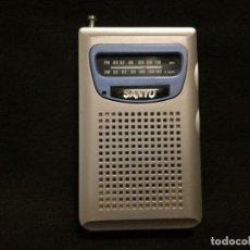 Rádios antigos: RADIO DE BOLSILLO FM AM SANYO RP-67 (FUNCIONANDO). Lote 270201493
