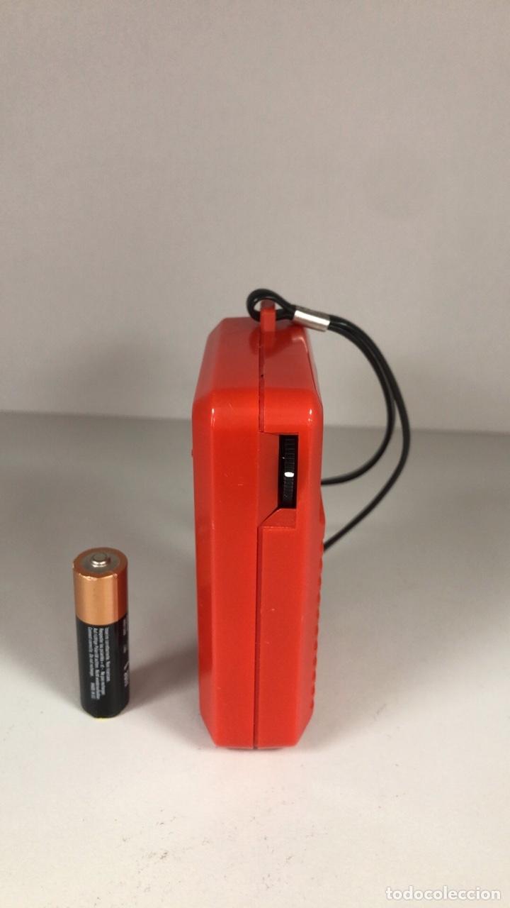 Radios antiguas: Radio Transistor Sharp BP-170, funciona, ver vídeo. - Foto 2 - 271611003