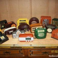 Radios antiguas: COLECCION DE 17 RADIOS EN MINIATURA- FUNCIONAN. Lote 273210423