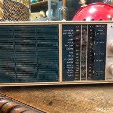 Radios antiguas: ANTIGUA RADIO LAVIS - FUNCIONANDO. Lote 274179198