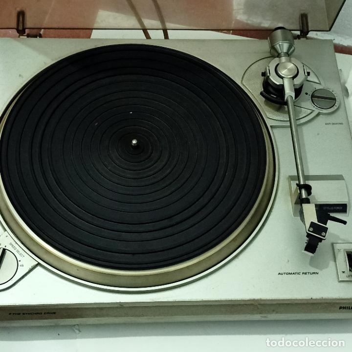 Radios antiguas: Tocadiscos Philips vintage F7112 Syncrho Drive. - Foto 2 - 274929353