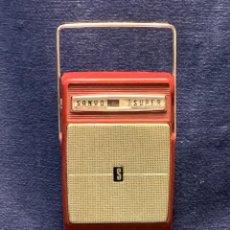 Rádios antigos: RADIO SANYO SUPER SIX TRANSISTOR MADE IN JAPAN UNBREAKABLE NYLON CASE AÑOS 60 12X7X3CMS. Lote 275126768