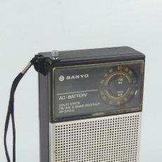 Rádios antigos: VINTAGE RADIO TRANSISTOR DE BOLSILLO MARCA SANYO MODEL RP 5115 U. Lote 275187923