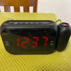 Rádios antigos: RADIO RELOJ DESPERTADOR. MUY POCO USO.. Lote 275553588