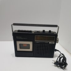Rádios antigos: ANTIGUO RADIO CASETTE SANYO 2420F. Lote 276143528