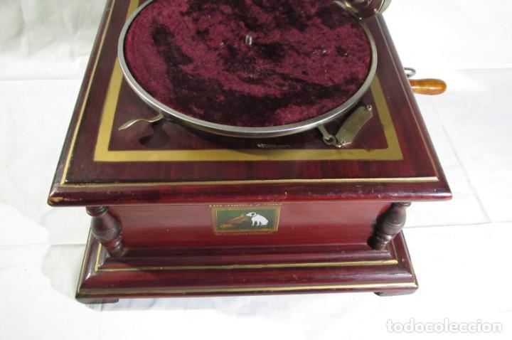 Radios antiguas: Gramófono La Voz de su Amo, funcionando - Foto 8 - 276739658