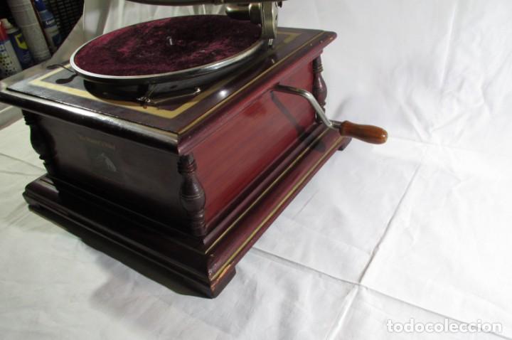 Radios antiguas: Gramófono La Voz de su Amo, funcionando - Foto 10 - 276739658