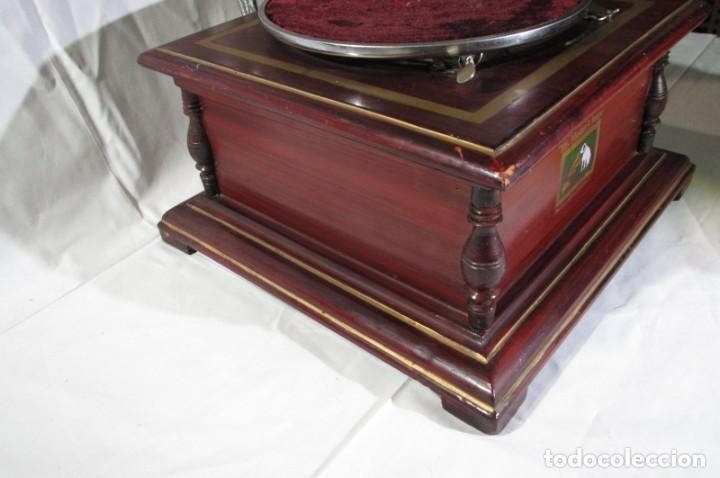 Radios antiguas: Gramófono La Voz de su Amo, funcionando - Foto 12 - 276739658