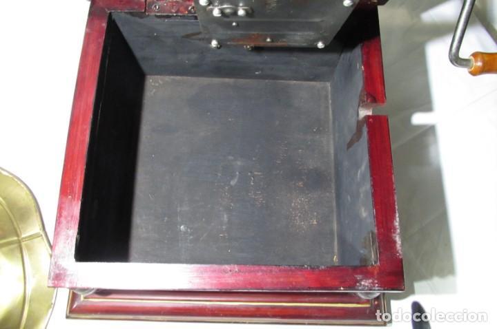 Radios antiguas: Gramófono La Voz de su Amo, funcionando - Foto 29 - 276739658