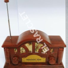 Radios antiguas: ANTIGÜA REPRODUCIÓN DE RADIO ANTIGÜA MARCA SOGO MODEL SS-82 A PILAS. Lote 276949233