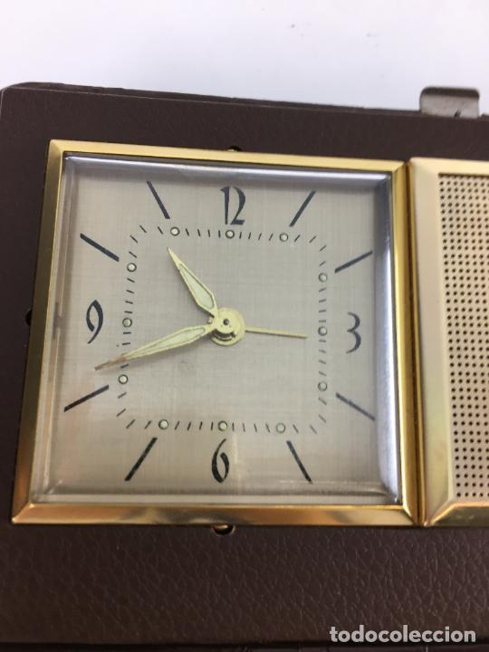 Radios antiguas: Radio reloj despertador Saxony años 70 - Foto 4 - 286947663