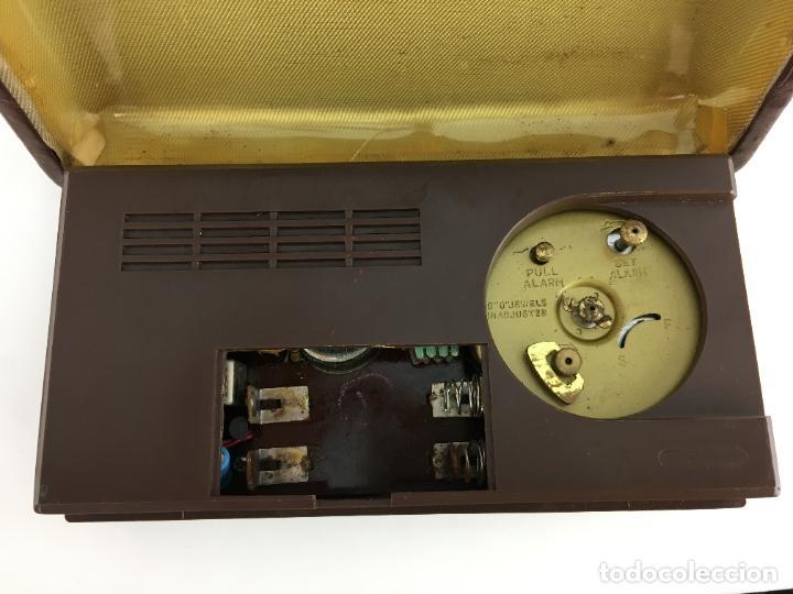 Radios antiguas: Radio reloj despertador Saxony años 70 - Foto 5 - 286947663