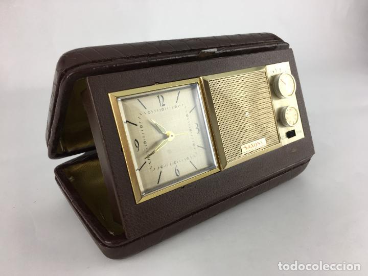 RADIO RELOJ DESPERTADOR SAXONY AÑOS 70 (Radios, Gramófonos, Grabadoras y Otros - Transistores, Pick-ups y Otros)