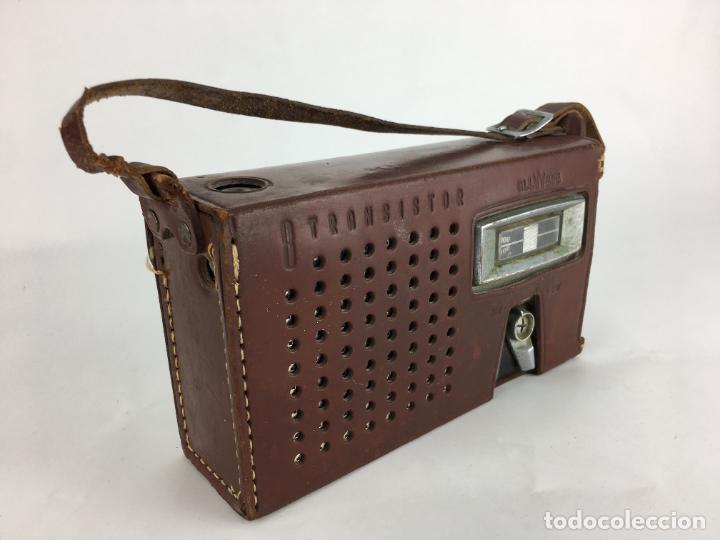 Radios antiguas: Radio Sanyo 8S-P3. Transistor all wave. Con funda cuero. MW SW - Foto 2 - 286953728