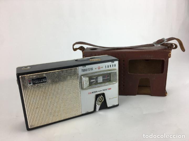 RADIO SANYO 8S-P3. TRANSISTOR ALL WAVE. CON FUNDA CUERO. MW SW (Radios, Gramófonos, Grabadoras y Otros - Transistores, Pick-ups y Otros)