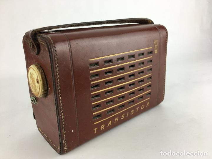 RADIO TRANSISTOR ANTIGUA CON FUNDA DE PIEL (Radios, Gramófonos, Grabadoras y Otros - Transistores, Pick-ups y Otros)