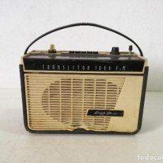 Radios antiguas: TECNOLOGÍA VINTAGE, RADIO TRANSISTOR PIZON BROS, A REVISAR, UNOS 32 X 23 X 13 CMS.. Lote 287254638