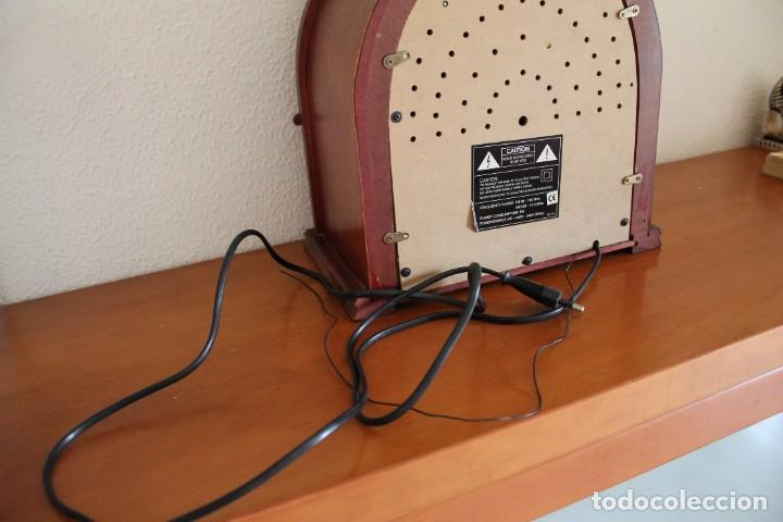 Radios antiguas: RÉPLICA DE RADIO ANTIGUA DE CAPILLA EN MADERA FUNCIONA 31,5 CM ALTO - Foto 10 - 287697268