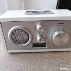 Radios antiguas: RADIO RELOJ MEDIDAS 20 X 18 X 8 CM FUNCIONANDO CORRECTAMENTE.. Lote 289589818