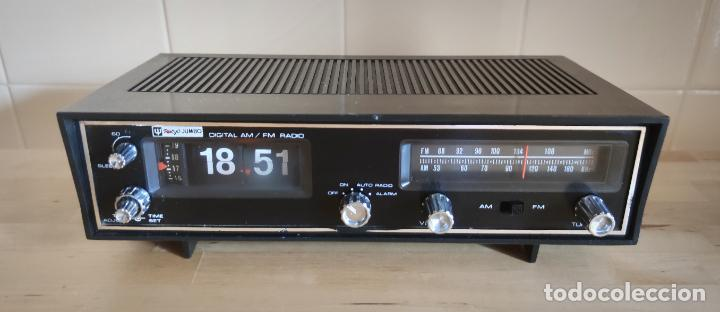 RADIO DESPERTADOR TOKYO JUMBO RD-500 FLIP FLOP FUNCIONANDO - NUMEROS VOLCABLES (Radios, Gramófonos, Grabadoras y Otros - Transistores, Pick-ups y Otros)