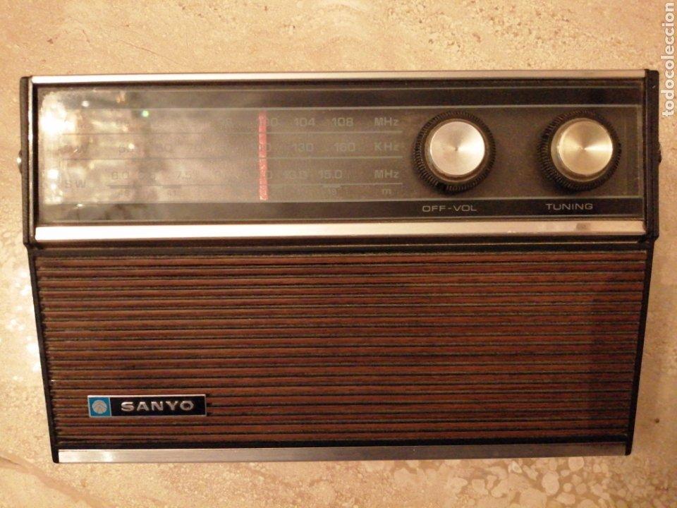 RADIO SANYO MODELO 10G-831A (Radios, Gramófonos, Grabadoras y Otros - Transistores, Pick-ups y Otros)