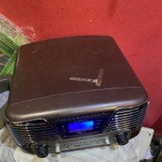 Radios antiguas: NOSTALGIA CD RADIO FM, ALARMA MP3 USB ESTILO RETRO. Lote 290081078