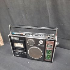 Rádios antigos: VIEJO RADIO CASSETTE TOSHIBA. Lote 291332453